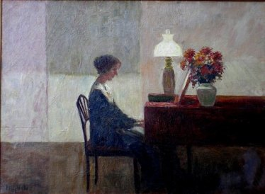 Woman_playing_piano